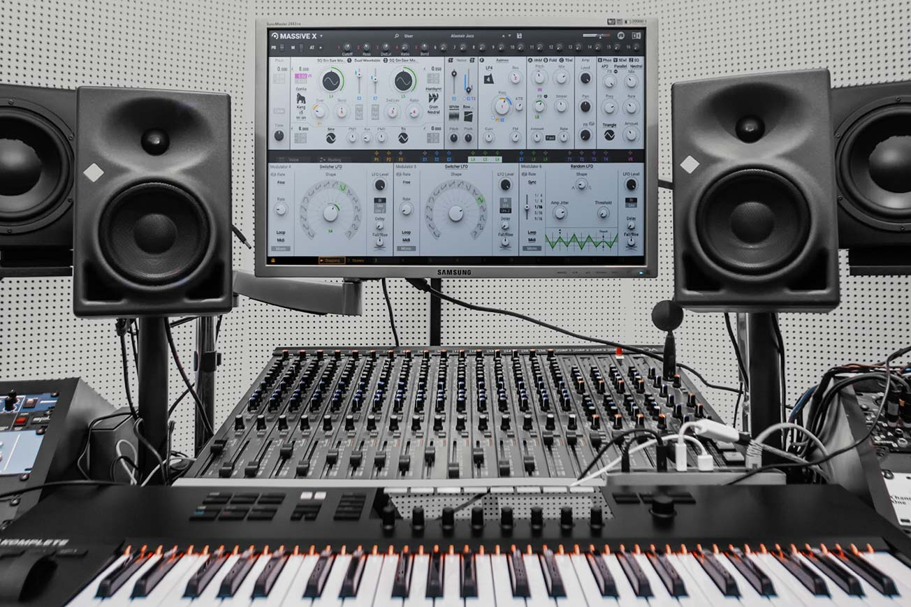 Native Instruments MASSIVE X Music Studio