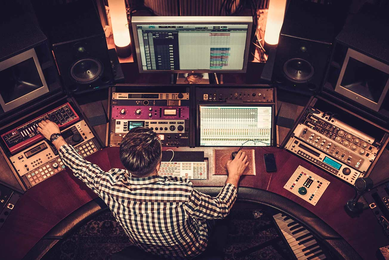 Music Studio - Mixing and Mastering Tips