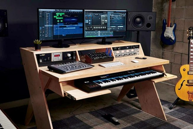 Output Platform Studio Desk