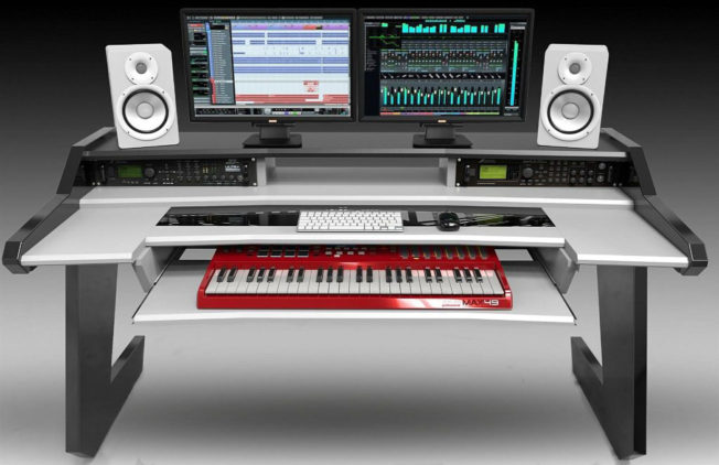 Studio Desk | Beat Series